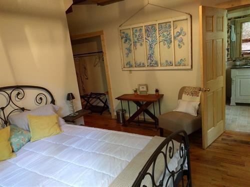 Vinyard bedroom ensuite