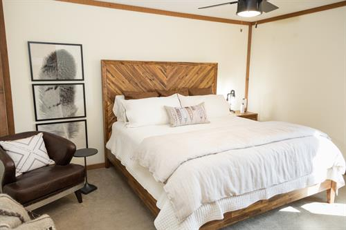 Each room at The Mountain Top Lodge is equipped with new furniture, comfy linens and decorative touches to make you feel at home and enjoy a great nights rest.