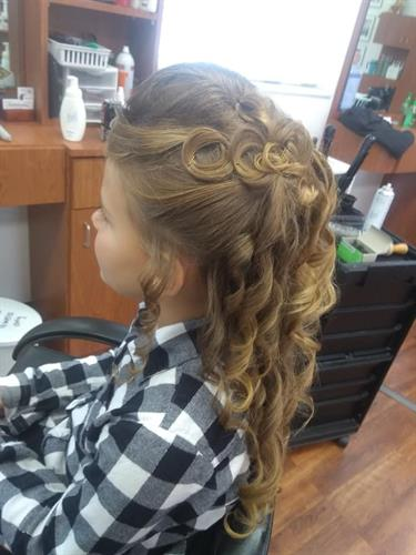 Girls up do pageant hair by Vikki