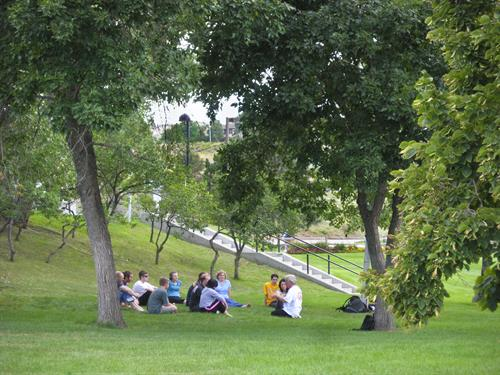 Outdoor class at Lakewood Campus