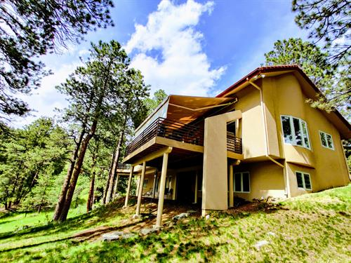 Retractable awning in Evergreen, CO