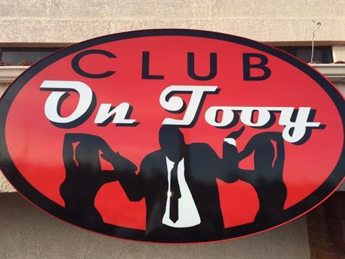 Club On Tooy Aurora