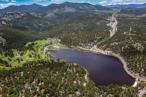 Gallery Image Lakepoint_Aerial.jpg