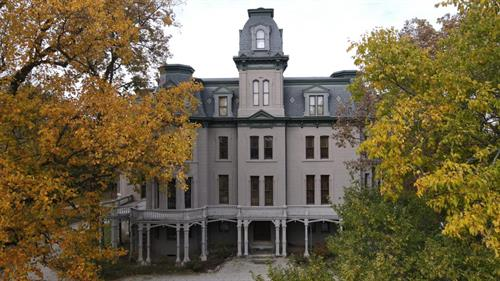Gallery Image Outside-Mansion-scaled.jpg