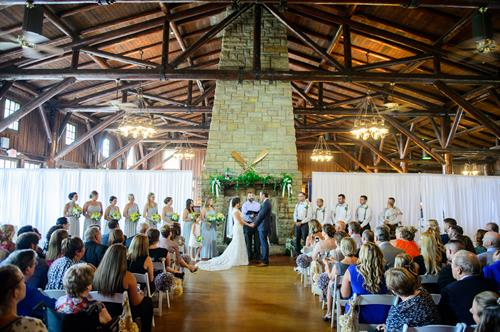 Gallery Image indoor-summer-wedding-starved-rock-seth-morris-photography-50.jpg