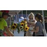 Local Street Markets Adjust to Pandemic Restrictions
