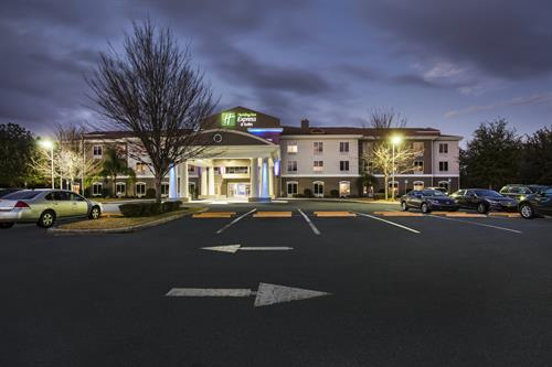 Holiday Inn Express & Suites - Inverness / Lecanto