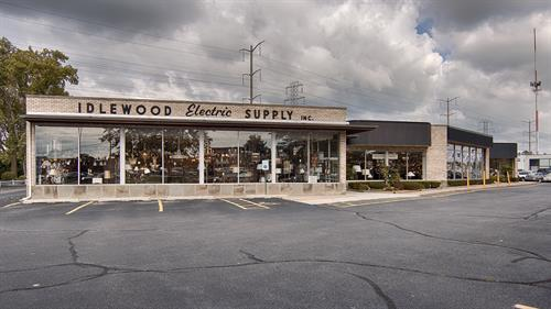 Idlewood Electric's location on Skokie Valley Road since 1970.