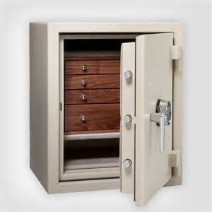 Gallery Image Jewelry_safe_insert_drawers.jpg