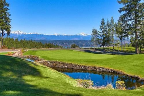 Hole 1 at Alderbrook Golf Course