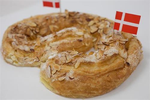 Kringle Cake
