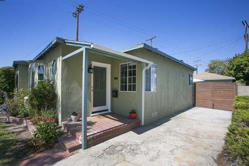 Listing at 10843 Farragut Dr. in Culver City. Sold in 5 days!