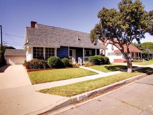 Farragut Dr. in Culver City - Represented another happy seller!