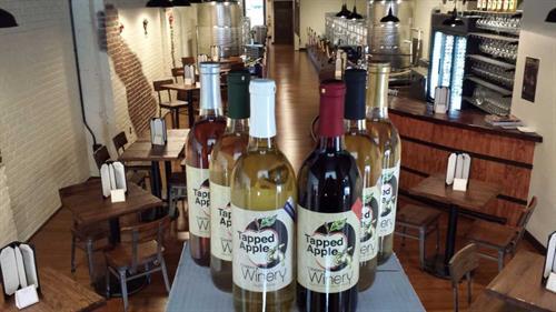 Gallery Image wineroom1.jpg