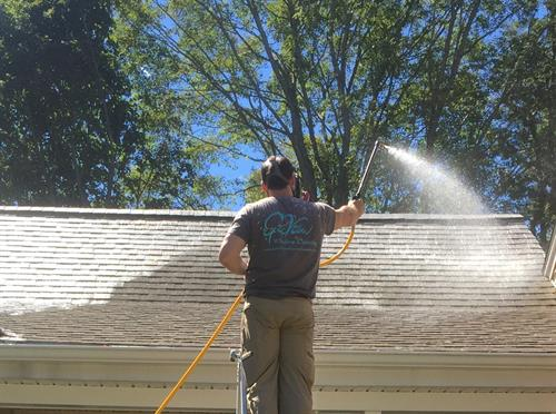 Low Pressure House Power Washing in East Bay RI