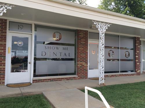 Custom Frosted Window Vinyl - Show Me Dental - Farmington, MO