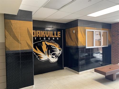 Custom wall wrap - Oakville High School
