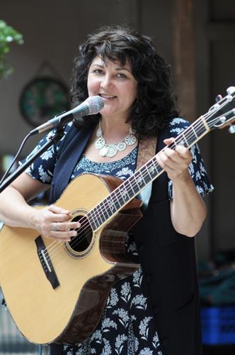 Kiki Wow the Local Wedding Singer