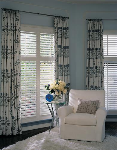 Hunter Douglas - NewStyle Shutters with Stationary Side Panels