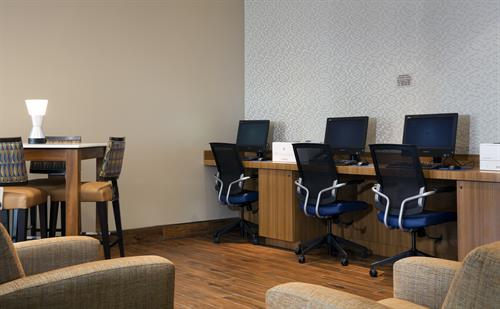 Lobby computer and on-site business services at SpringHill Suites