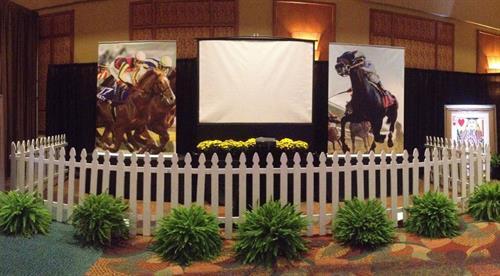 Derby Theme Party - Video Horse Races Decor & Entertainment
