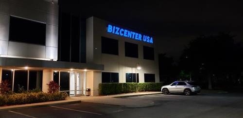 Gallery Image BIZCENTER_USA_Building_Signage_-_Evening_1_(003).jpg