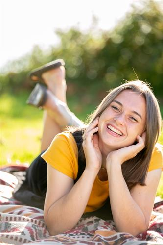 High school senior girl pictures at Picnic Point in Edmonds