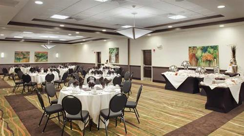 The Wicklow Ballroom can set up to 200 guests for a banquet function, including weddings and birthdays, however is also a spacious and productive environment for any large meeting or conference.