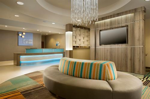 Holiday Inn Express & Suites DFW Grapevine- Lobby