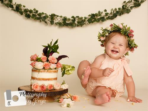 Gallery Image Cake_Smash_Photographer_Raleigh-1393.jpg