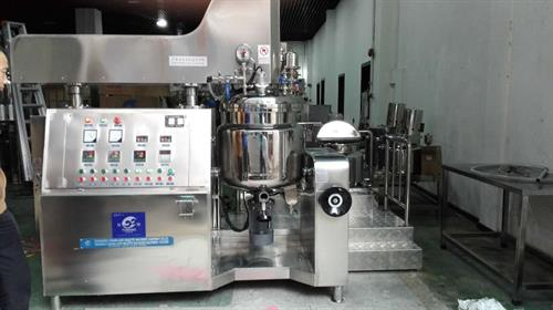 State of the art vacuun kettles for perfect creams