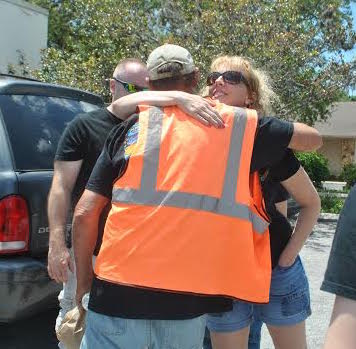 Messengers of Hope Mission Hugging the homeless