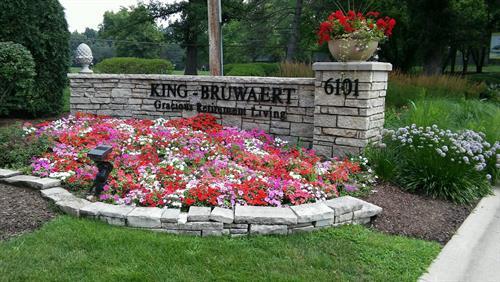 Gallery Image Flowers_in_front_of_KBH.jpg