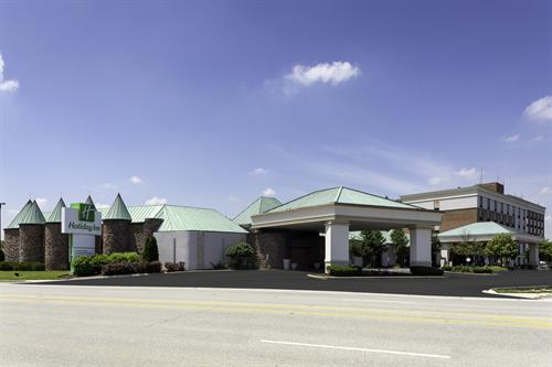 Newly remodeled Holiday Inn Countryside offers a warm welcome to all!