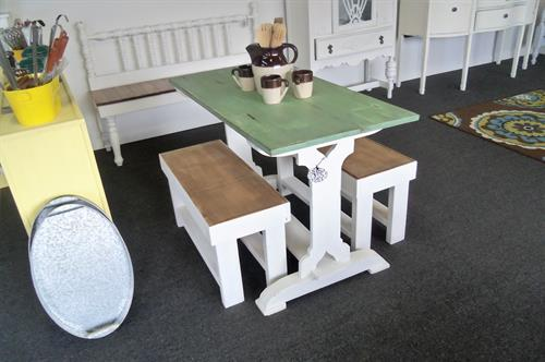 Want a farm table but have limited space? This is perfect for you!