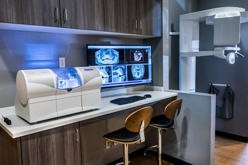 Gallery Image technology-dental-office-the-dentistry-collective-1.jpg