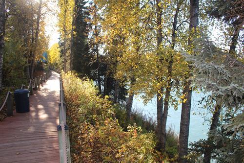 500 feet of riverfront