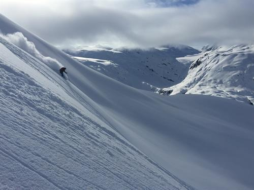 Winter Heli ski and snowboard the chugach (photo credit Black Ops Valdez)