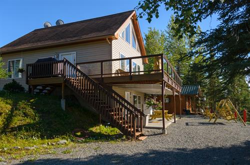 Wonderful home overlooking the Kenai River