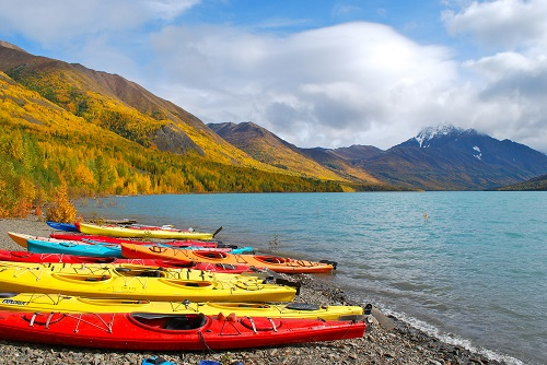 Kayaking at Eklutna Lake. Photo credit Visit Anchorage/Nicole Geils.