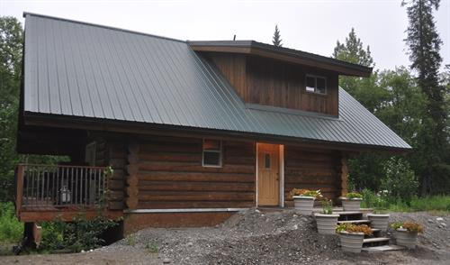 Hilltop Cabin - 2 bedroom, 2 bath, full kitchen