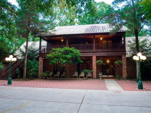 Gallery Image LodgeFront.jpg