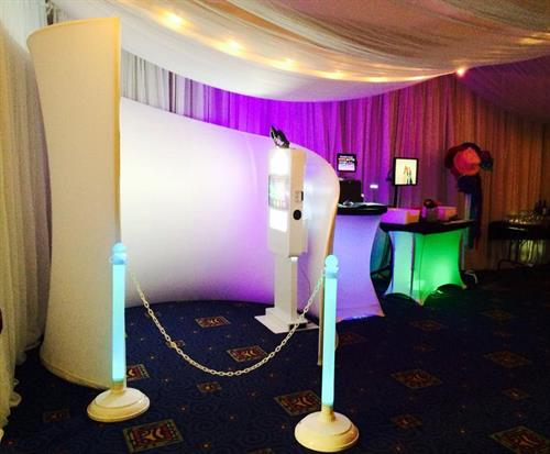 The Photo Lounge is an elegant booth perfect for weddings, galas or events that are looking for a beautiful photo station.  Note: Also ADA accessible with enclosure and photo booth kiosk that rises & lowers to meet guest height