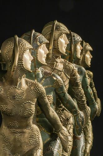 Gallery Image statue_detail2.jpg