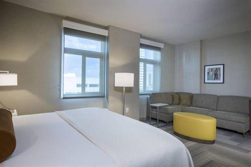 Our Standard King room gives leisure and business travelers a place to enjoy a relaxing stay