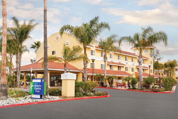 Holiday Inn Express Hotel & Suites Escondido