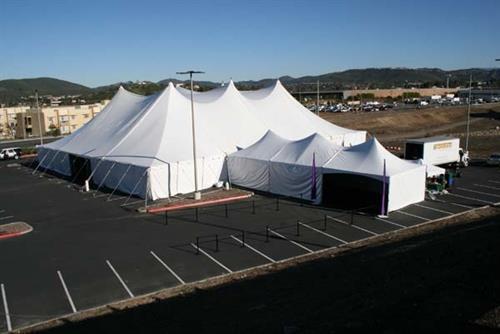 Gallery Image large-tents-gallery-11.jpg