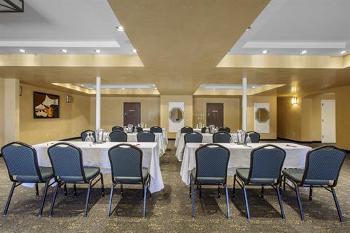 Santa Fe Room Meeting Space