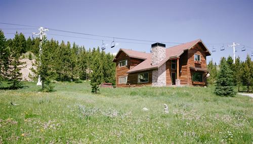 Twin Lift Lodge
