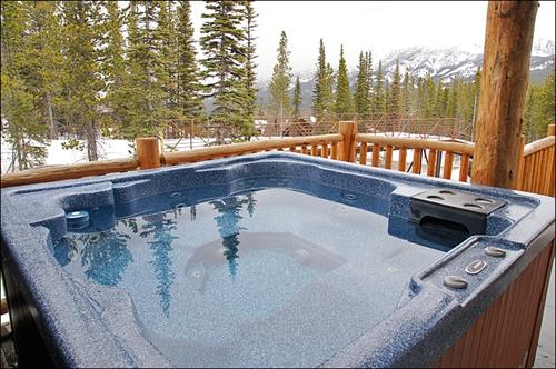 CH home outside hot tub